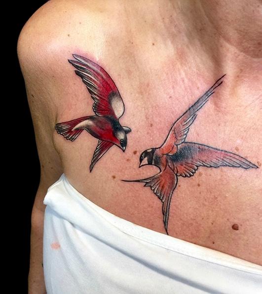 dilo-tattoo-tiere-schwalben