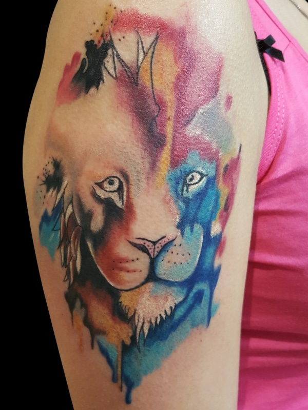 volly-tattoo-aquarell-loewe