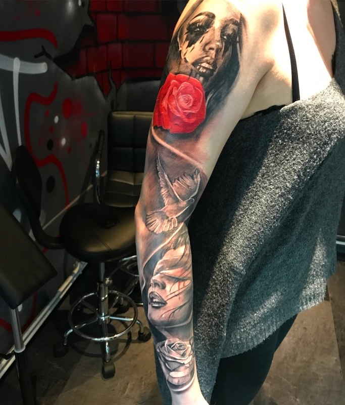 Zone-Black and Grey -Grigory Isaev -Sleeve -Rose