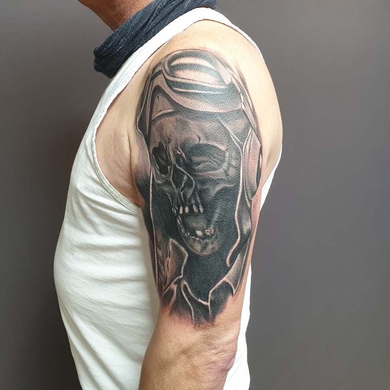 Zone- Tattoo-Volly- Totenkopf