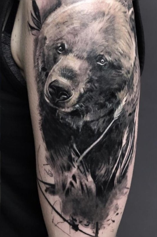 Zone -Tattoo -Bär -Grigory Isaev