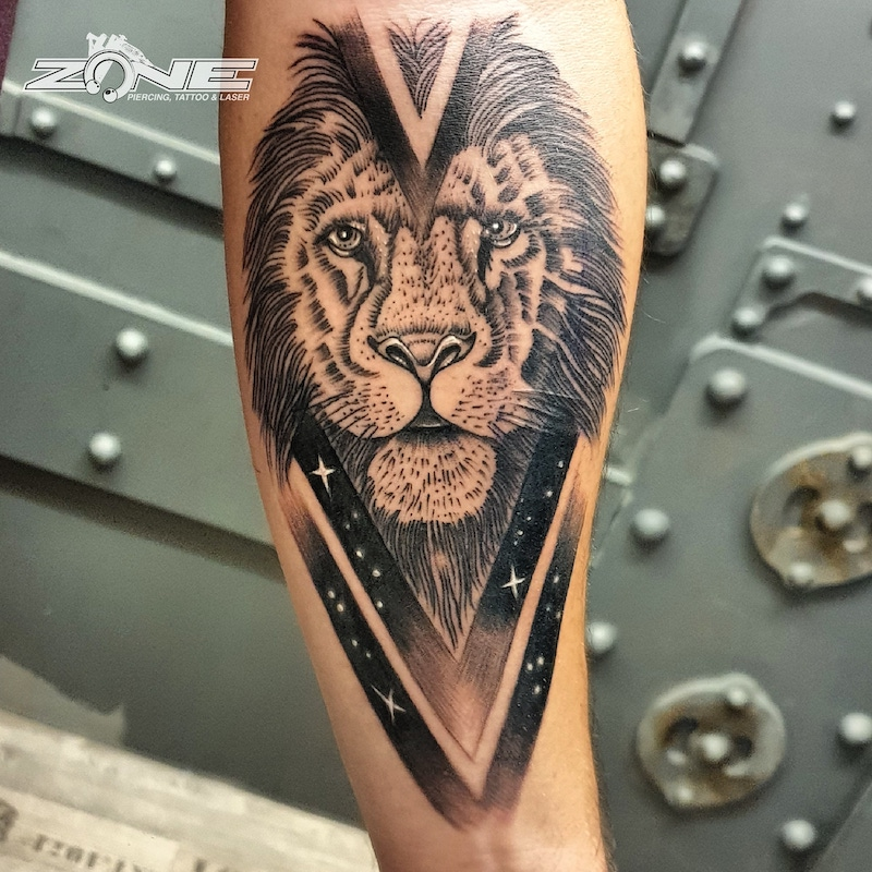 Zone-Tattoo-Volly- Black and Grey -Löwe