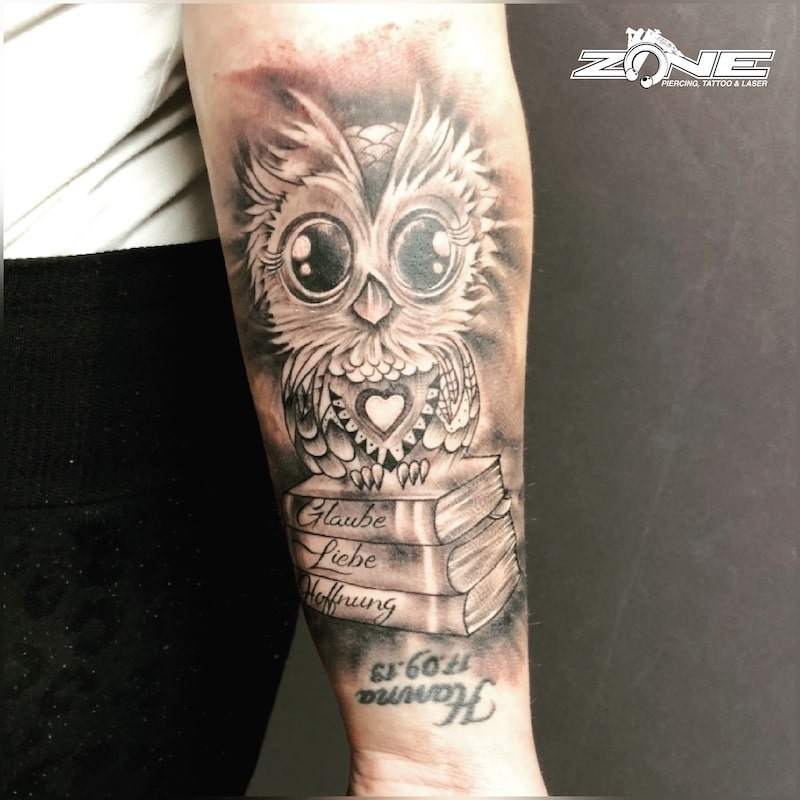 Zone -Tattoo -Dilo -Black and Grey -sleeve -eule