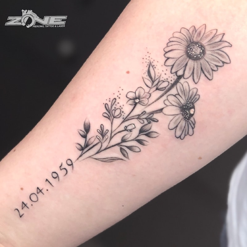 Zone -Tattoo -Dilo -Black and Grey -Blume -Datum