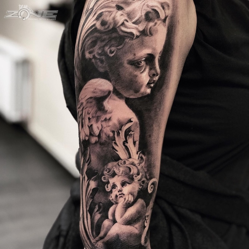 Zone - Tattoo -Potrait -Realistic -Black and Grey -Uhr -Sleeve - Grigory -Engelsköpfe - Isaev