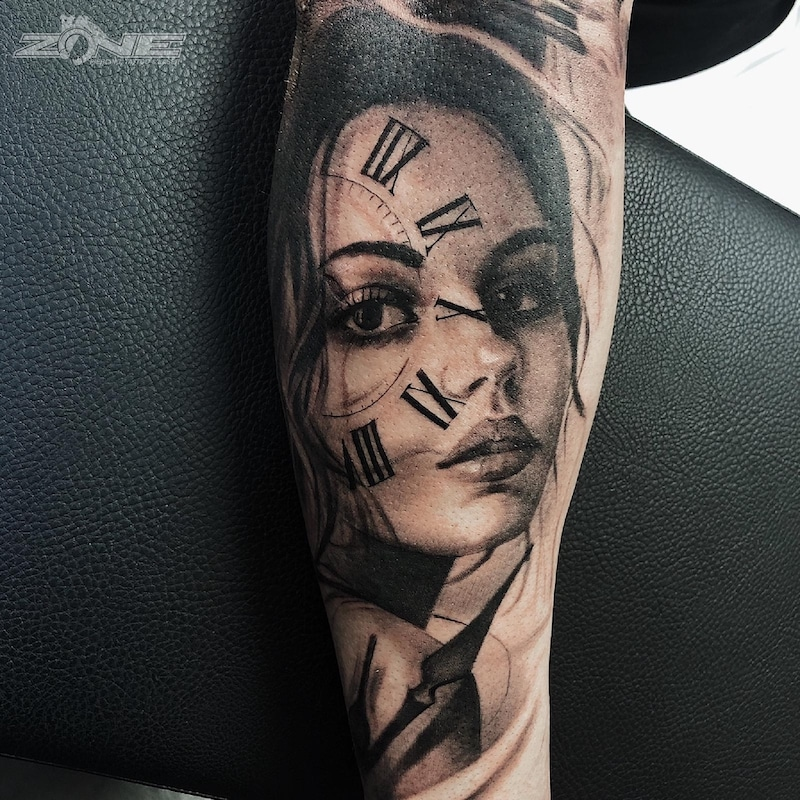Zone - Tattoo -Potrait -Realistic -Black and Grey -Uhr -Sleeve - Grigory Isaev