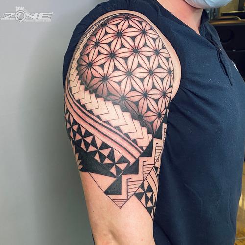Zone -Tattoo - Piercing - Volly - Maori-Polynesischer Armsleeve -Braunschweig1