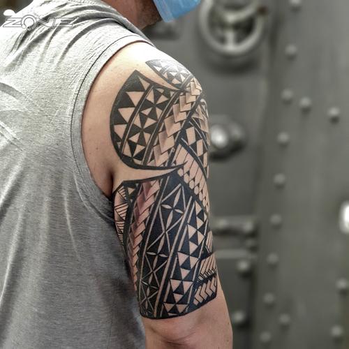 Zone -Tattoo - Piercing - Volly - Maori- Polynesischer Arm sleeve -Braunschweig3