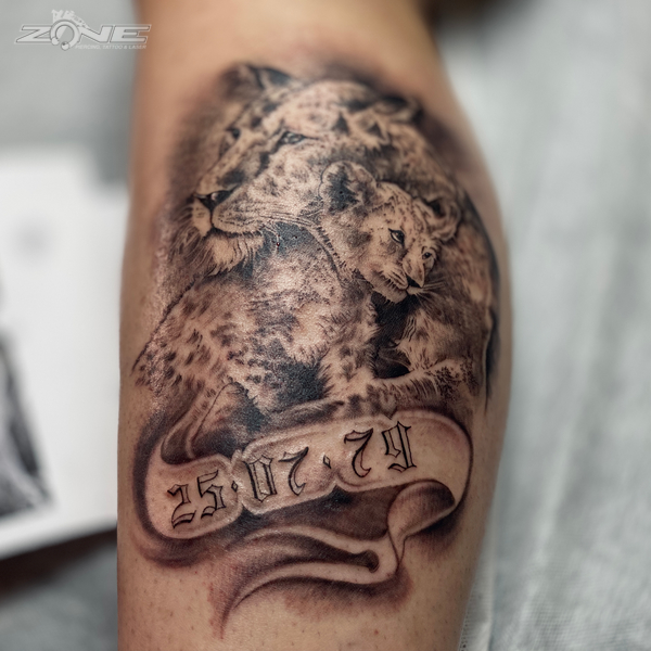 Zone- Piercing-Tattoo- Dilo - Löwe -Black and grey -braunschweig