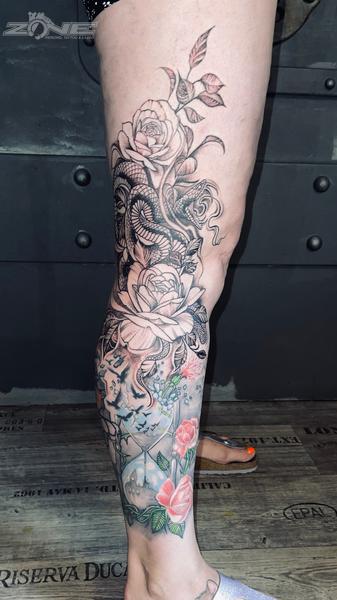 Zone - Tattoo - Piercing - Blackandgrey- Rose - Snake -Sanduhr- Vogel -Braunschweig  11